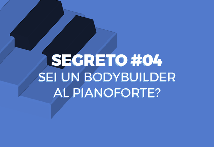 Bodybuilder al pianoforte